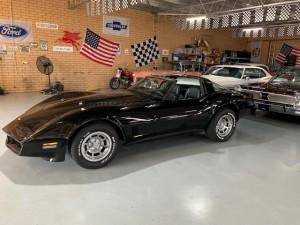 82 corvette black (15)